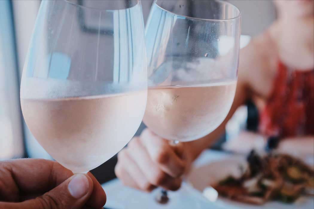 Vinhos Rosés - não são brancos, nem tintos, mas muito apreciados, saiba mais sobre eles